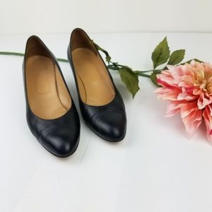 Brooks Brothers classic black pumps size 8.5